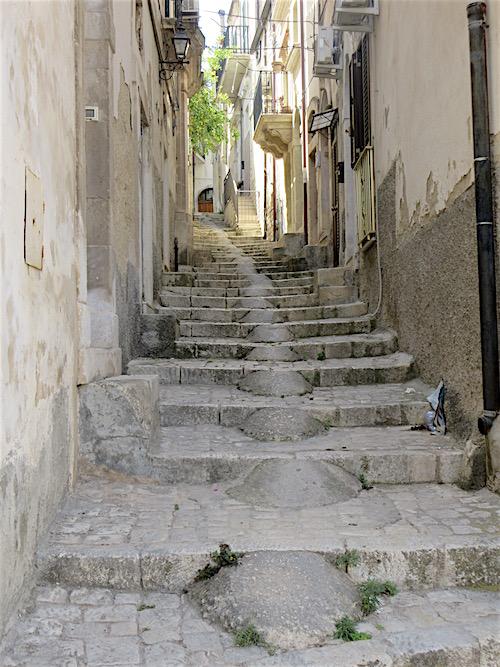Sicily....Scicli Sidestreet