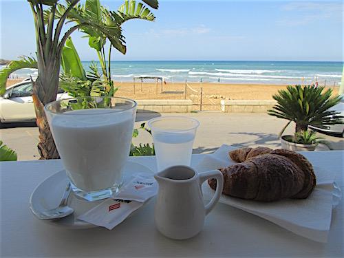 Cava d'Aliga Breakfast
