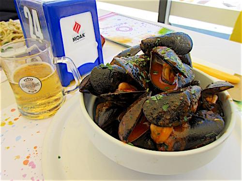Cava d'Aliga Seafood Lunch